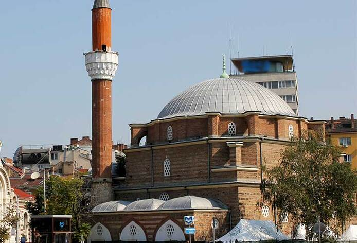 banya-basi-mosque-2013-720p_694x472_crop_and_resize_to_fit_478b24840a