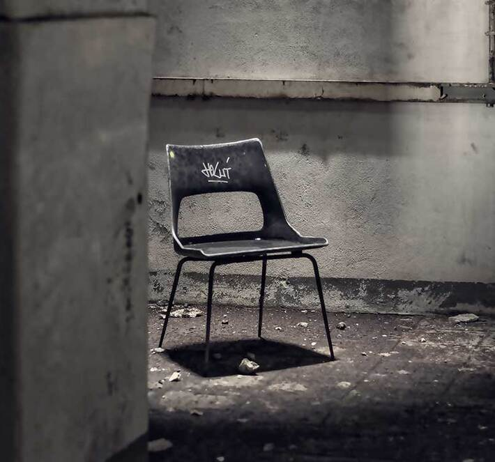 interrogation-torture-chair-2963765-1080x720_710x663_crop_and_resize_to_fit_478b24840a